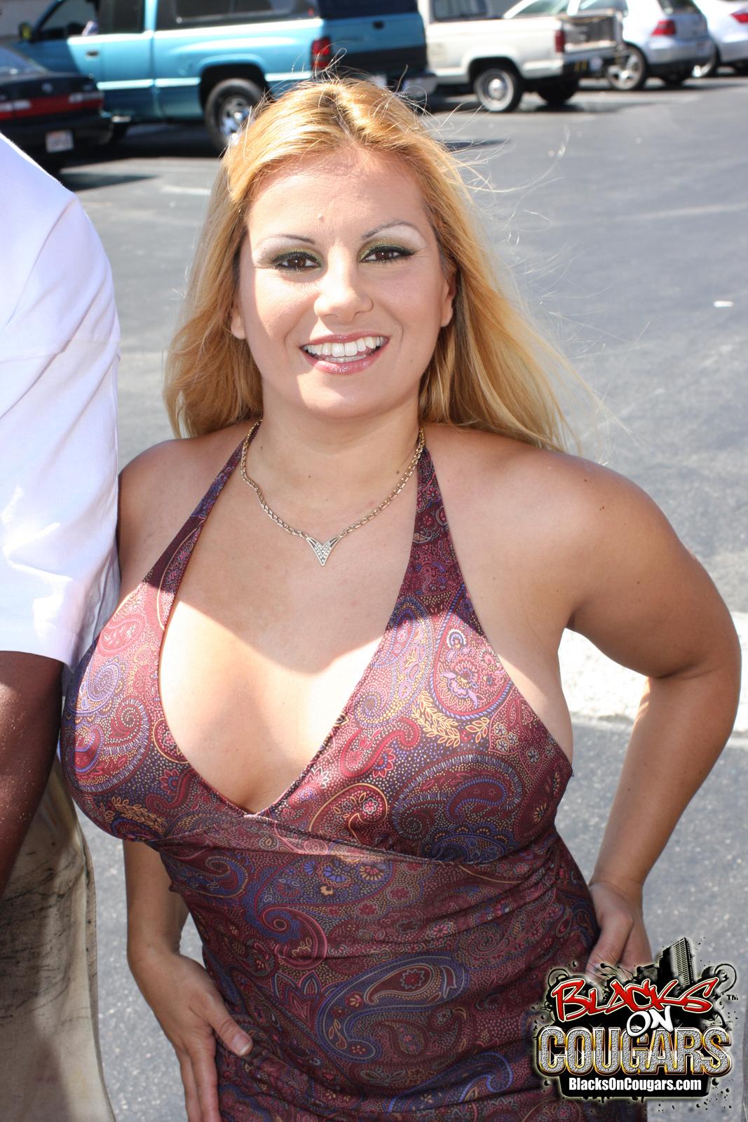 Big Tits Blonde Threesome